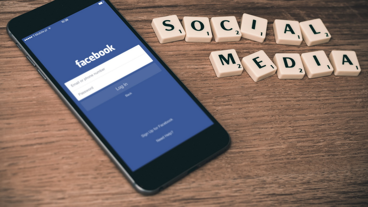 TOP 4 Reasons to Advertise on Facebook